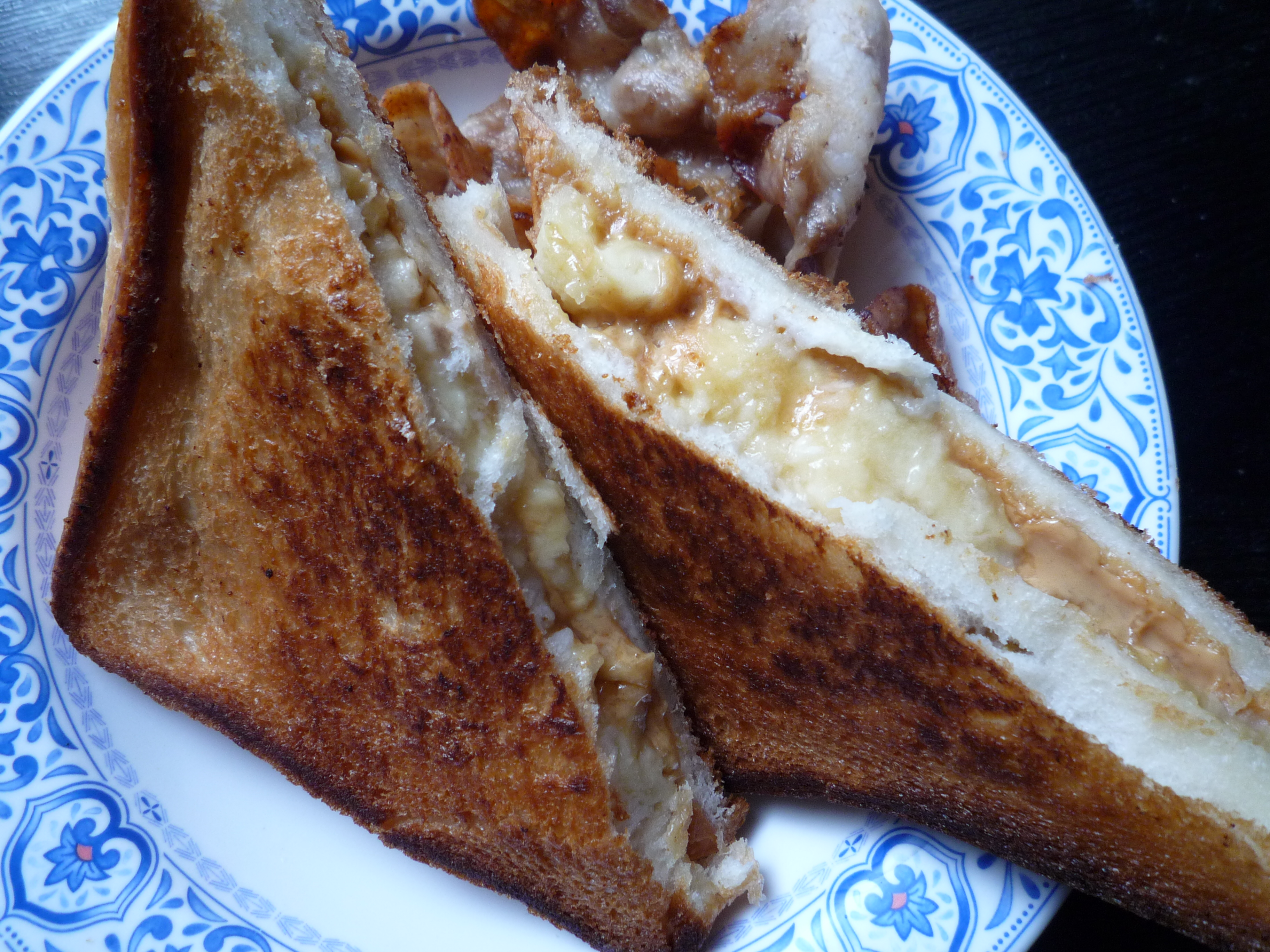 エルビスサンド ピーナッツバターとバナナのグリルドサンドイッチ10