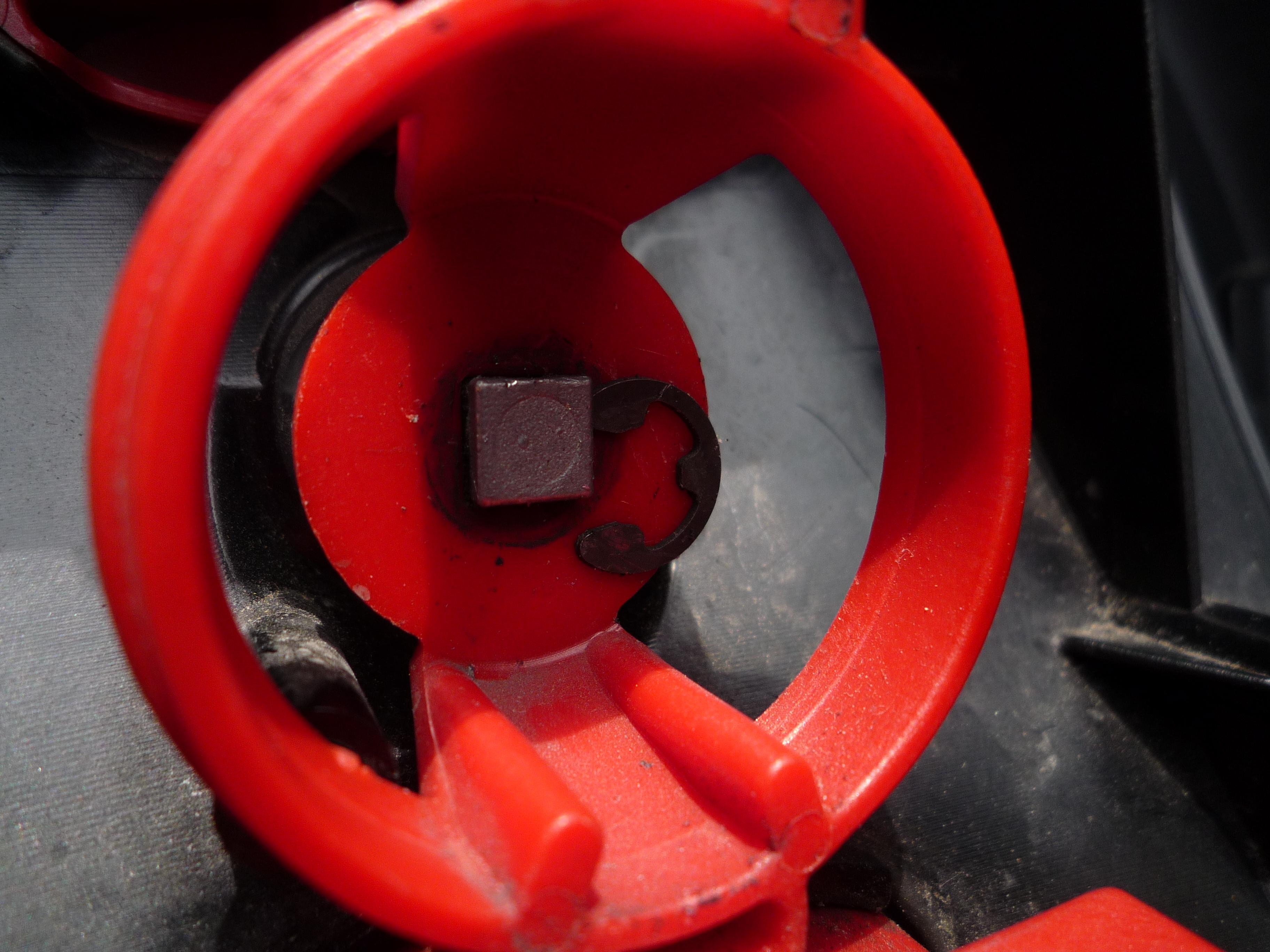 バイクの箱の鍵の交換 6